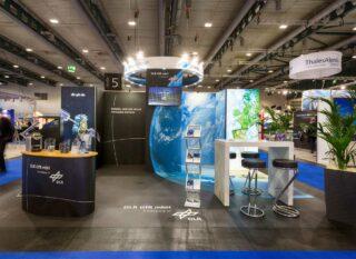 DLR GfR mbH, Space 2017, Kopfstand aus den Messesystemen MODULUX und Clip Modular, Standfläche: ca. 6 x 4 m, Höhe: ca. 2,5 / 3 m, Einsatz von Fotoboden