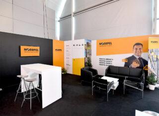 C.E. NOERPEL GmbH, Logimat 2019, mobiler Eckstand ca. 6 x 5 m, Kombination MODULUX und Clip Modular