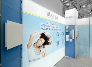 Meltem Wärmerückgewinnung GmbH & Co. KG GET Nord 2016, Eckstand ca. 5 x 2 m, Kombination Clip Modular mit vollflächiger Grafik und MODULUX Leuchtwand