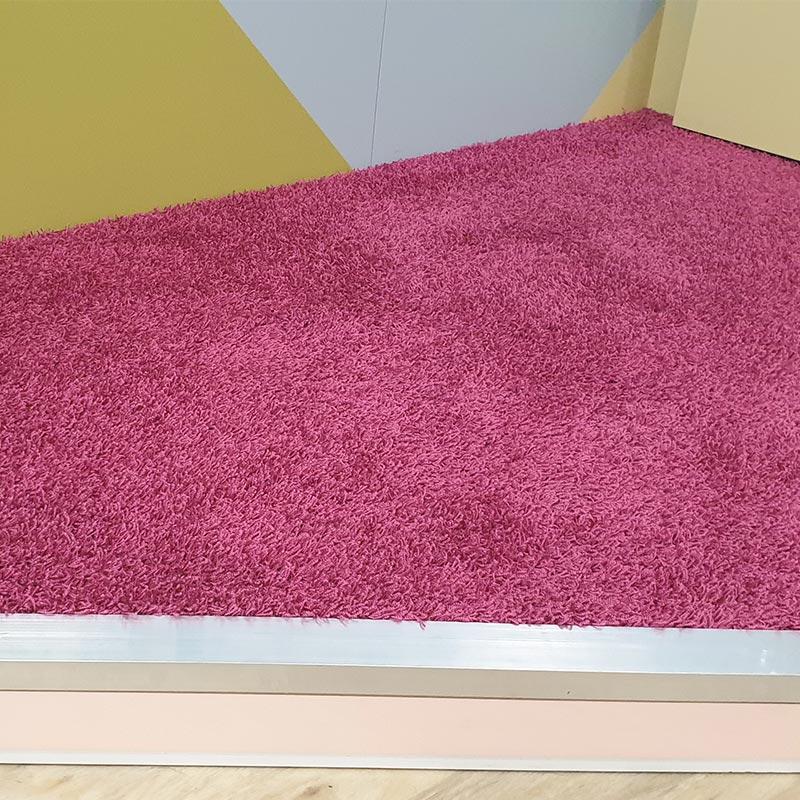 Hochflor Teppich Messeboden pink